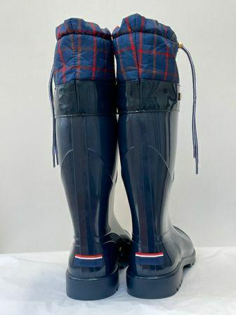 Tommy-Hilfiger-Size-9-Rainboots_153958D.jpg
