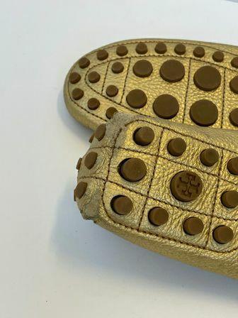 Tory-Burch-Size-10.5-Kendrick-Loafers_156300F.jpg