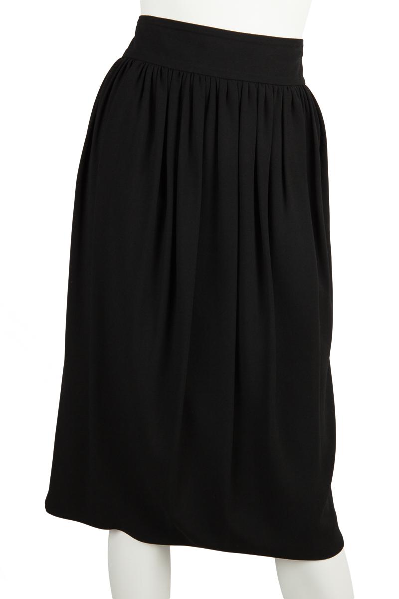 Giorgio-Armani-NWT-Black-Pleated-Front-Skirt-Sz-14_32818A.jpg